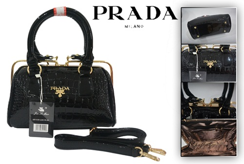 B0011 IDR.220.000 MATERIAL PU SIZE L26XH15XW13CM WEIGHT 1050GR COLOR BLACK.jpg