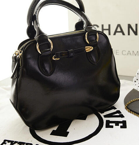 B0080 IDR.199.000 MATERIAL PU SIZE L26XH20XW10CM WEIGHT 700GR COLOR BLACK