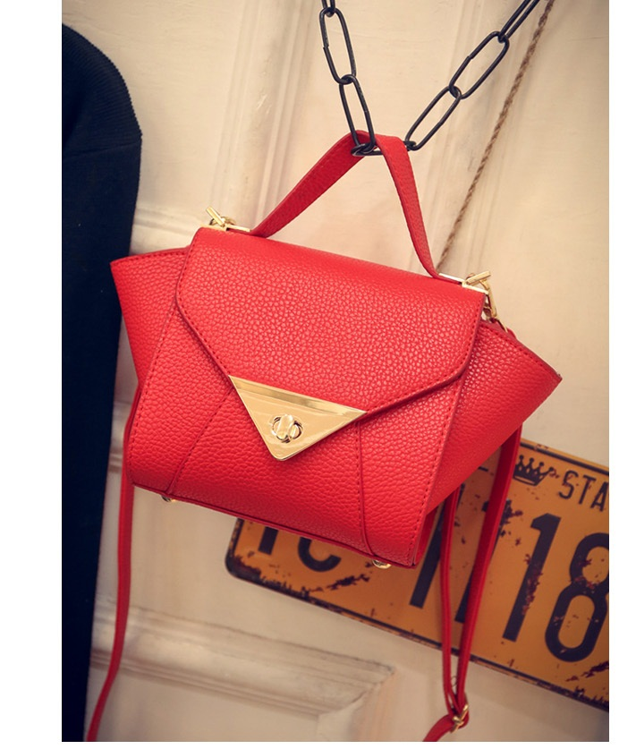 B1004 IDR.163.000 MATERIAL PU SIZE L17XH15XW10CM WEIGHT 500GR COLOR RED