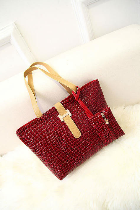 B1020 IDR.158.OOO MATERIAL PU SIZE L39-32XH26XW10CM WEIGHT 600GR COLOR RED.jpg