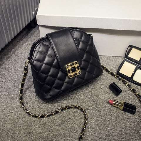 B1027 IDR.160.000 MATERIAL PU SIZE L21XH16XW11CM WEIGHT COLOR BLACK.jpg