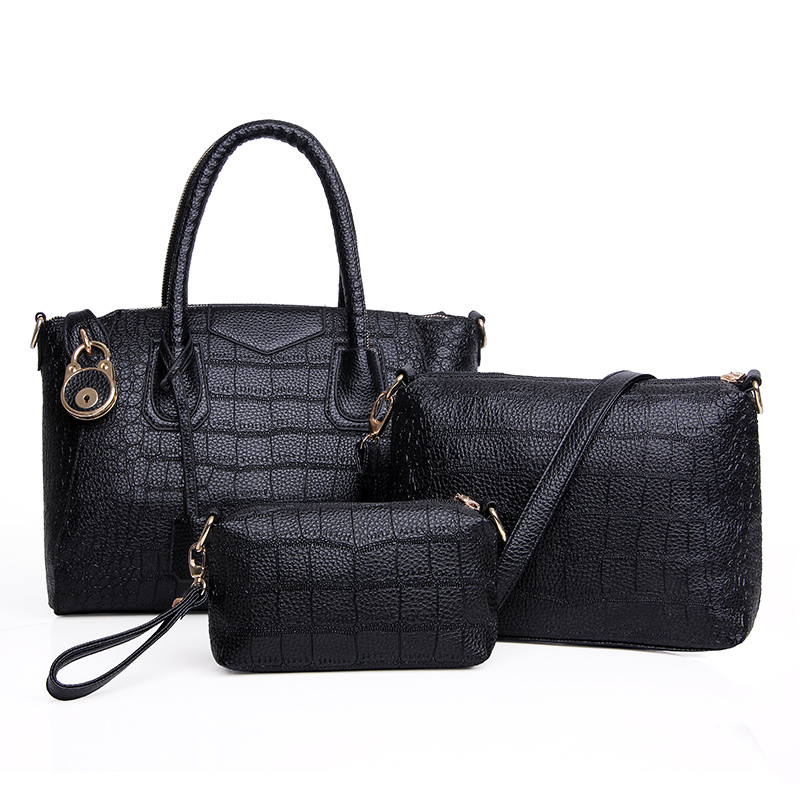 B1034-(3in1) IDR.235.000 MATERIAL PU SIZE L33XH24XW15CM WEIGHT 1400GR COLOR BLACK
