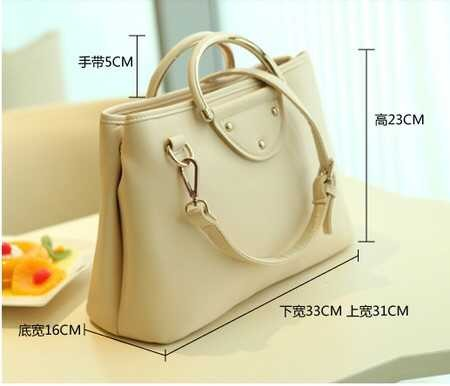 B1039 IDR.195.000 MATERIAL PU SIZE L33XH23XW16CM WEIGHT 700GR COLOR WHITE