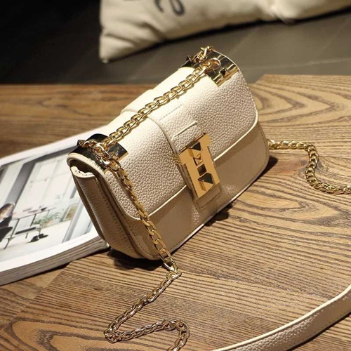 B1071 IDR.162.000 MATERIAL PU SIZE L22XH16XW12CM WEIGHT 550GR COLOR BEIGE