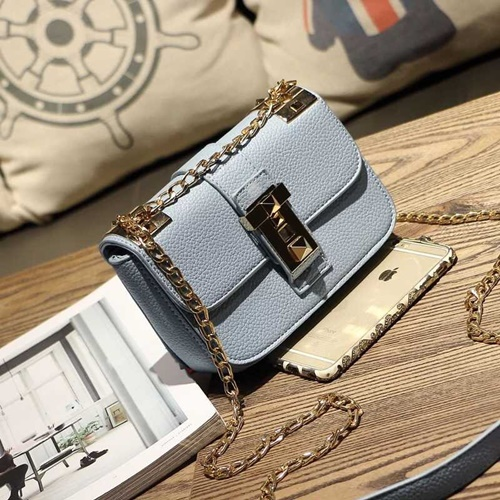 B1071 IDR.162.000 MATERIAL PU SIZE L22XH16XW12CM WEIGHT 550GR COLOR BLUE