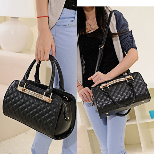 B1077 IDR.198.000 MATERIAL PU SIZE L30XH19XW10CM WEIGHT 820GR COLOR BLACK.jpg