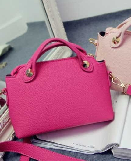 B1082 IDR.167.000 MATERIAL PU SIZE L24XH16XW8CM WEIGHT 450GR COLOR ROSE
