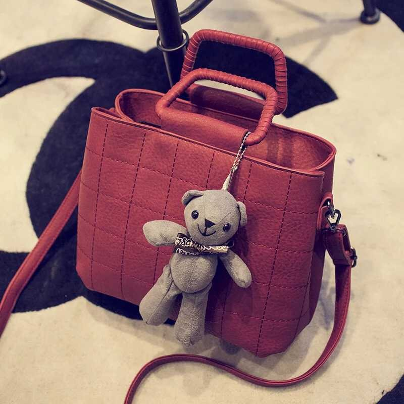 B1089 IDR.175.000 MATERIAL PU SIZE L26XH20XW13CM WEIGHT 700GR COLOR RED