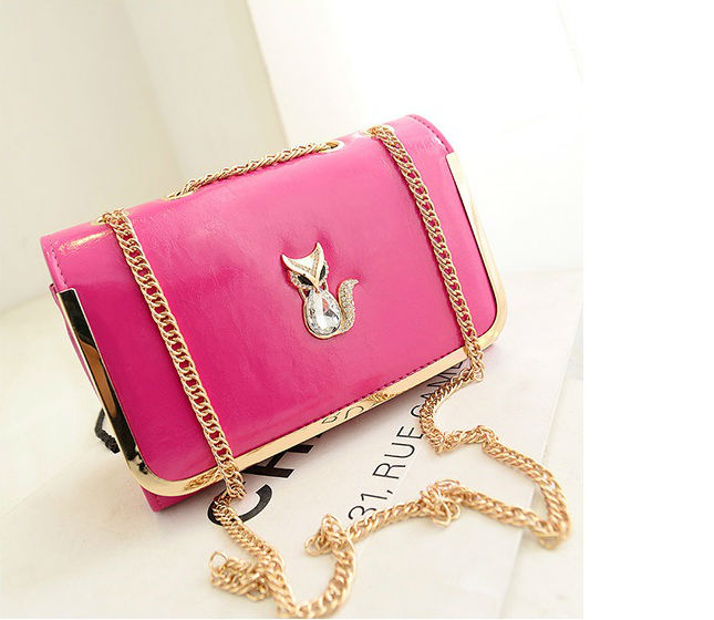 B1114 IDR.160.000 MATERIAL PU SIZE L26XH17XW10CM WEIGHT 500GR COLOR ROSE
