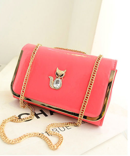 B1114 IDR.160.000 MATERIAL PU SIZE L26XH17XW10CM WEIGHT 500GR COLOR WATERMELONRED