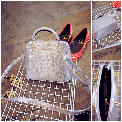 B1145 IDR.175.000 MATERIAL PU SIZE L18XH21XW10CM WEIGHT 650GR COLOR SILVER