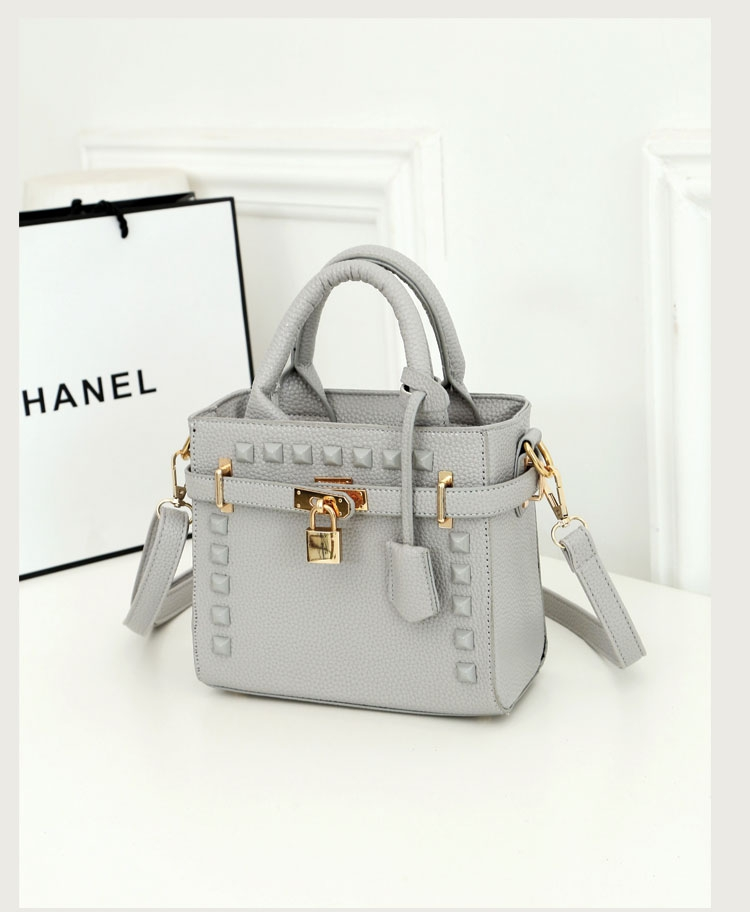 B1152 IDR.201.000 MATERIAL PU SIZE L20XH17XW10CM WEIGHT 700GR COLOR GRAY.jpg