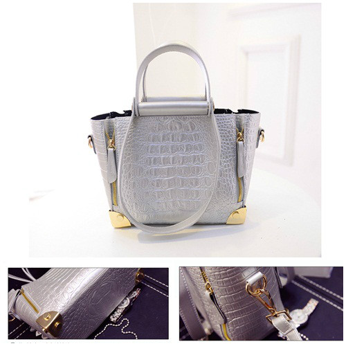 B1162 IDR.225.000 MATERIAL PU SIZE 22-26XH18XW10CM WEIGHT 850GR COLOR SILVER