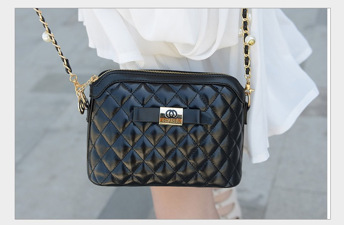 B1190 IDR.186.000 MATERIAL PU SIZE L24XH17XW11CM WEIGHT 550GR COLOR BLACK