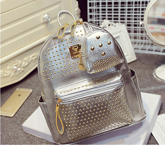 B1199 IDR.190.000 MATERIAL PU SIZE L25XH30XW14CM WEIGHT 900GR COLOR SILVER