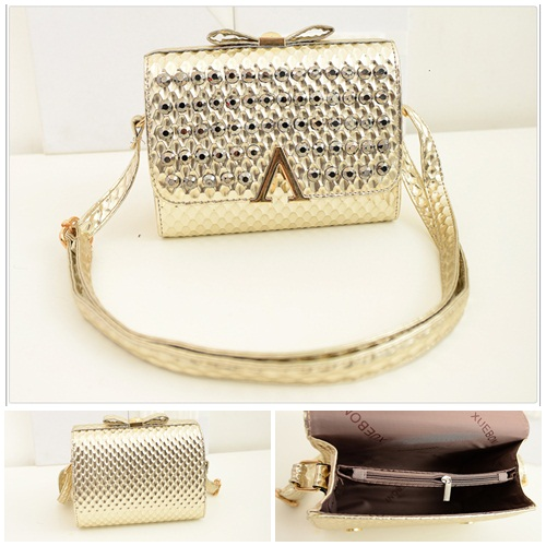 B1201 IDR.170.000 MATERIAL PU SIZE L20XH15XW8CM WEIGHT 500GR COLOR GOLD