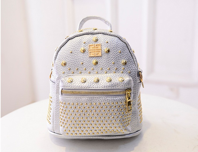 B1206 IDR.178.000 MATERIAL PU SIZE L21XH30XW10CM WEIGHT 600GR COLOR SILVER