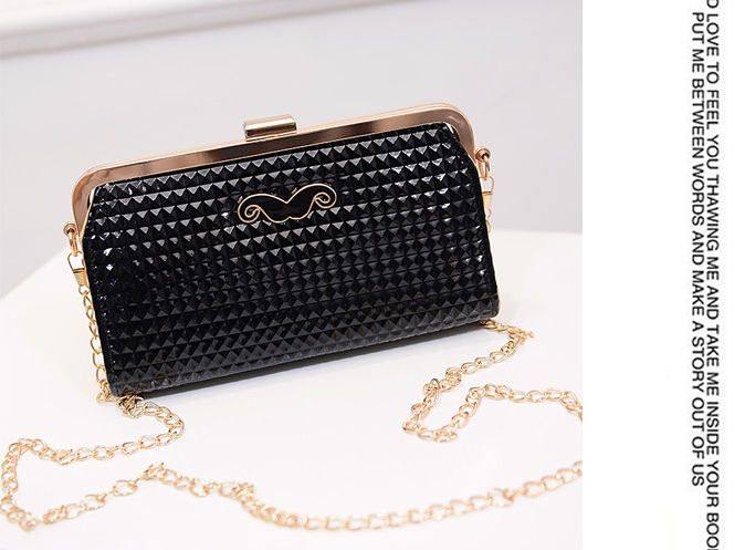 B1233 IDR.150.000 MATERIAL PU SIZE L20XH11XW5CM WEIGHT 500GR COLOR BLACK.jpg