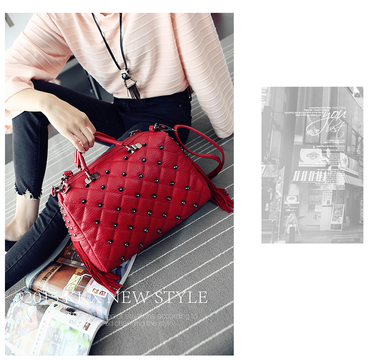 B1370 IDR.189.000 MATERIAL PU SIZE L34XH27XW13CM WEIGHT 900GR COLOR RED