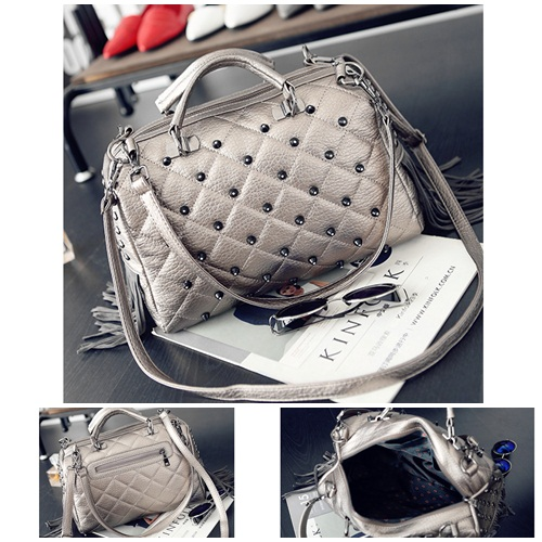 B1370 IDR.189.000 MATERIAL PU SIZE L34XH27XW13CM WEIGHT 900GR COLOR SILVER