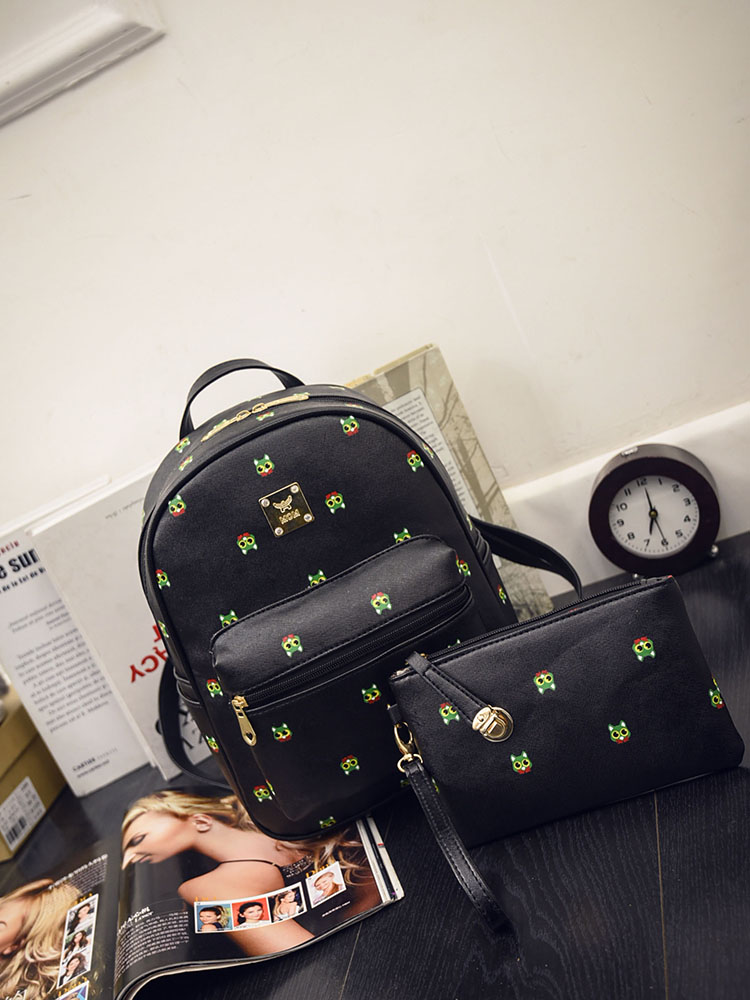 B1456 (2in1) IDR.176.000 MATERIAL PU SIZE L26XH32XW9CM WEIGHT 750GR COLOR BLACK