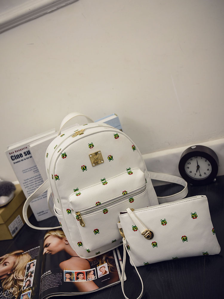 B1456 (2in1) IDR.176.000 MATERIAL PU SIZE L26XH32XW9CM WEIGHT 750GR COLOR WHITE