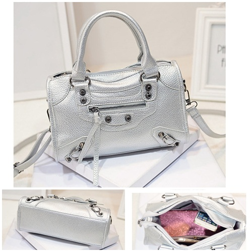 B1556 IDR.194.000 MATERIAL PU SIZE L26XH17XW11CM WEIGHT 700GR COLOR SILVER.jpg