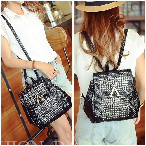 B1581 IDR.195.000 MATERIAL PU SIZE L24XH27XW10CM WEIGHT 700GR COLOR BLACK