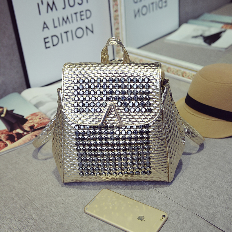 B1581 IDR.195.000 MATERIAL PU SIZE L24XH27XW10CM WEIGHT 700GR COLOR GOLD