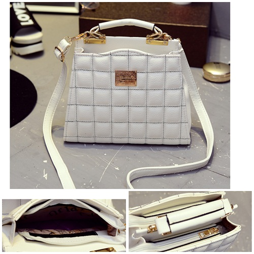 B1595 IDR.186.000 MATERIAL PU SIZE L24XH18XW12CM WEIGHT 650GR COLOR WHITE.jpg