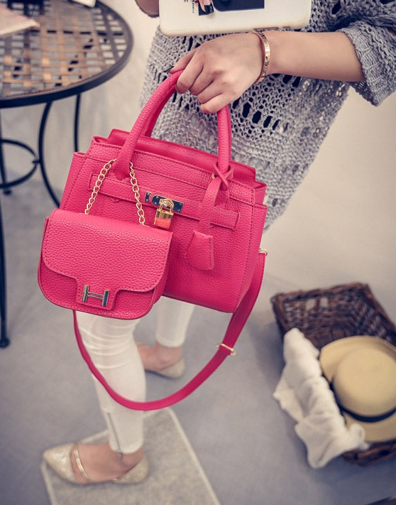 B1601(2in1) IDR.215.000 MATERIAL PU SIZE L25XH15XW12CM WEIGHT 850GR COLOR RED