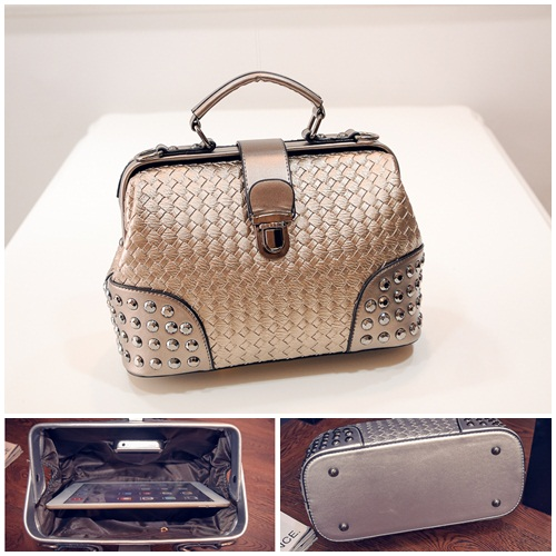 B1695 IDR.190.000 MATERIAL PU SIZE L25-27XH20XW12CM WEIGHT 650GR COLOR GOLD