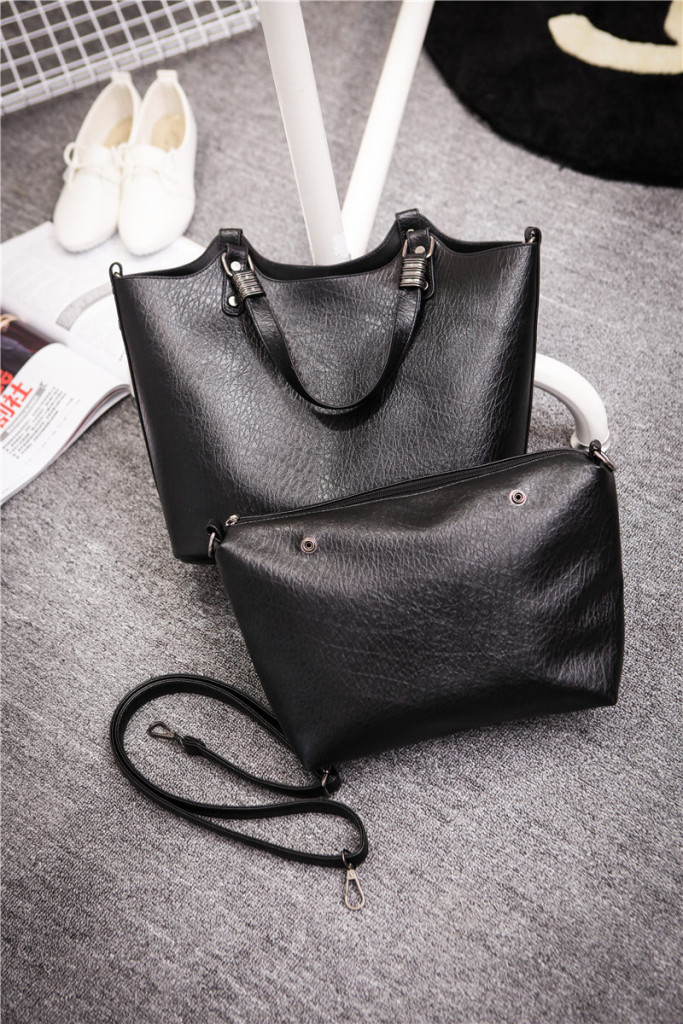B1703-(2in1) IDR.198.000 MATERIAL PU SIZE L31XH27XW15CM WEIGHT 800GR COLOR BLACK