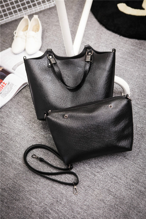B1703(2in1) IDR.200.000 MATERIAL PU SIZE L31XH27XW15CM WEIGHT 800GR COLOR BLACK