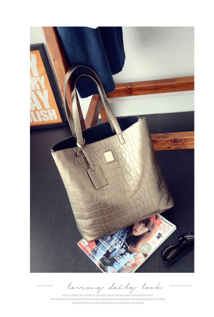 B1734-(2in1) IDR.165.000 MATERIAL PU SIZE L34XH32XW18CM WEIGHT 700GR COLOR GOLD.jpg