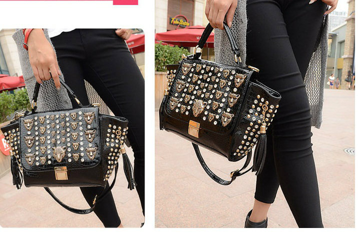 B175 IDR.235.000 MATERIAL PU SIZE L22-38CMXH19XW13CM WEIGHT 950GR COLOR BLACK