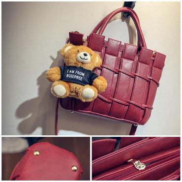 B1764 IDR.208.000 MATERIAL PU SIZE L28XH21XW10CM WEIGHT 850GR COLOR RED