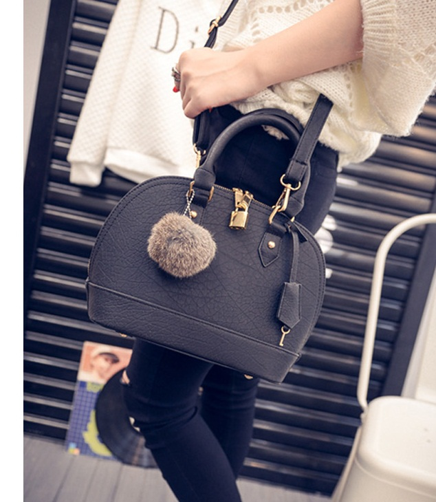 B1773 IDR.184.000 MATERIAL PU SIZE L25XH20XW12CM WEIGHT 750GR COLOR BLACK.jpg