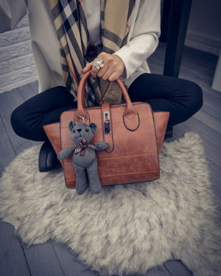B1856 IDR.186.000 MATERIAL PU SIZE L24XH21XW15CM WEIGHT 800GR COLOR BROWN