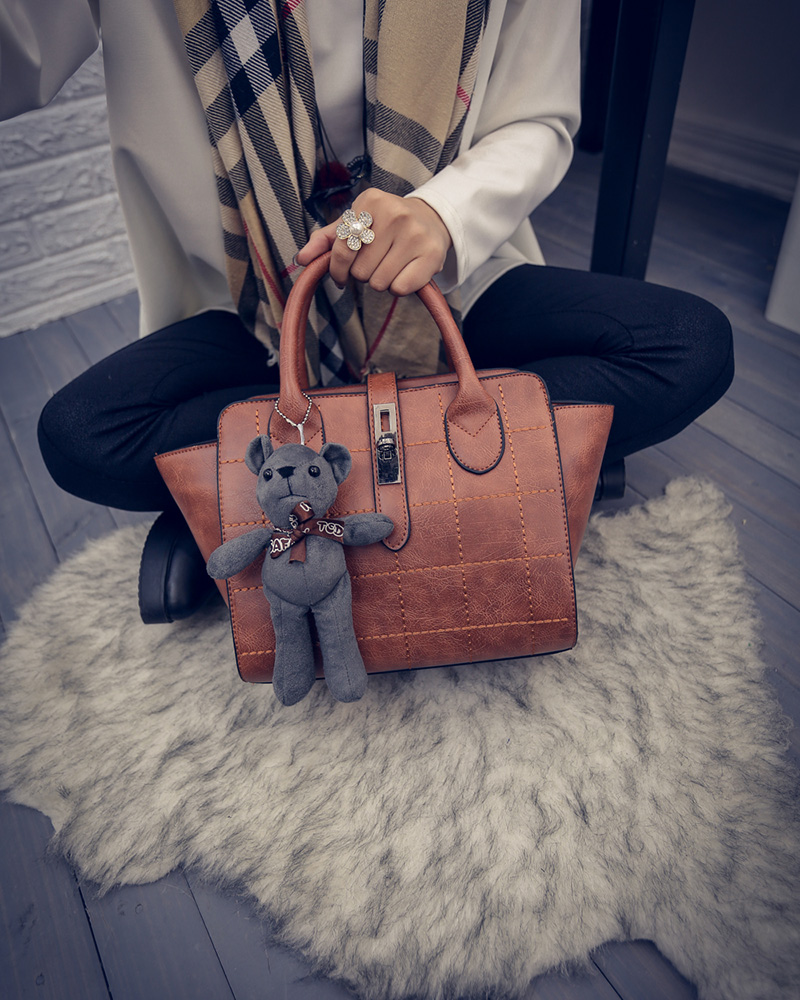 B1856 IDR.186.000 MATERIAL PU SIZE L24XH21XW15CM WEIGHT 800GR COLOR BROWN.jpg