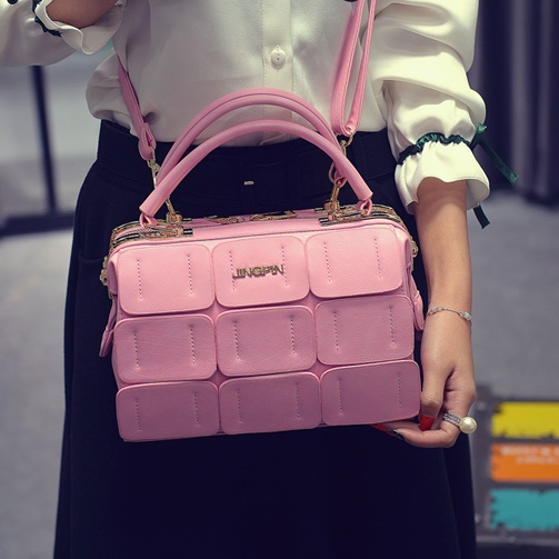 B1866 IDR.206.000 MATERIAL PU SIZE L24XH16XW12CM WEIGHT 800GR COLOR PINK