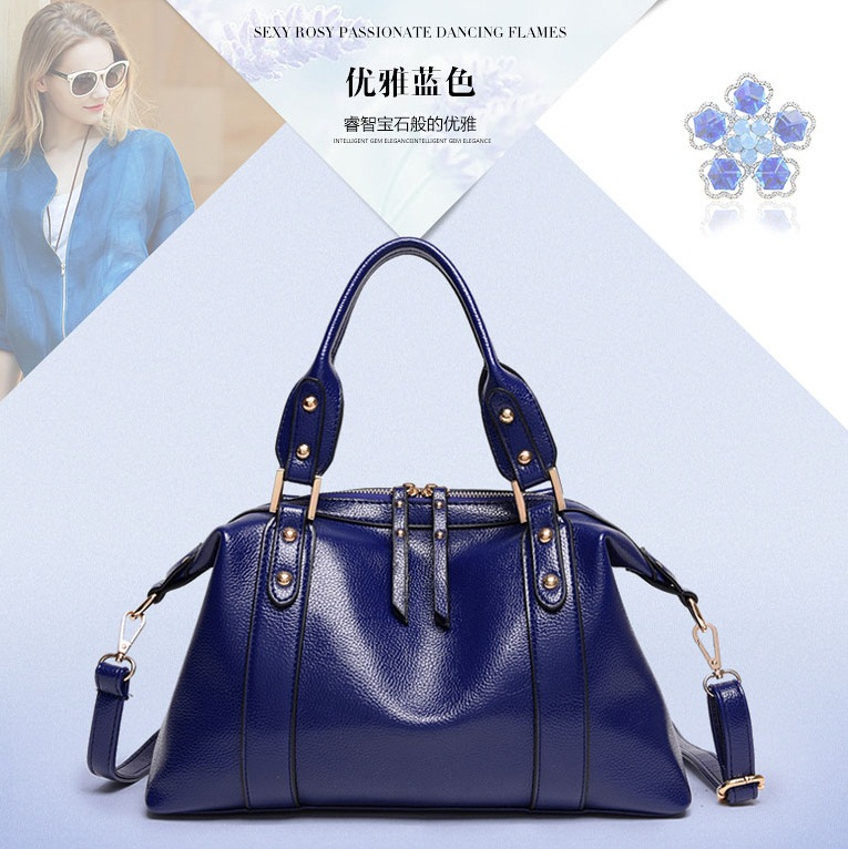 B1921 IDR.180.000 MATERIAL PU SIZE L34XH23XW11CM WEIGHT 800GR COLOR BLUE