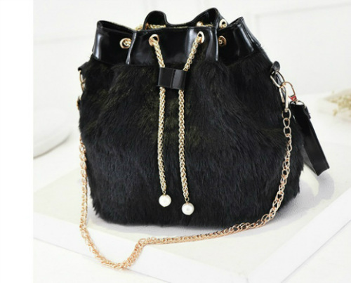 B1924 IDR.157.000 MATERIAL PU SIZE L36XH28X15CM WEIGHT 600GR COLOR BLACK