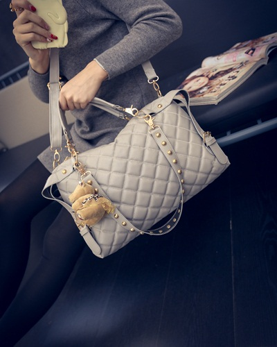 B1943 IDR.165.000 MATERIAL PU SIZE L37XH24XW9CM WEIGHT 700GR COLOR GRAY