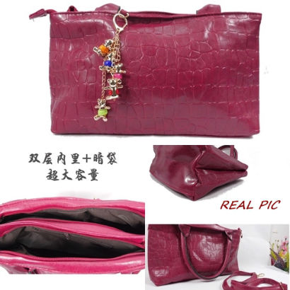 B20442 IDR.200.000 MATERIAL PU SIZE L34XH21XW11CM WEIGHT 700GR COLOR RED.jpg
