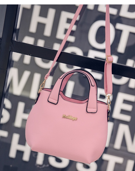 B20500 IDR.155.000 MATERIAL PU SIZE L22XH22XW10CM WEIGHT 700GR COLOR PINK