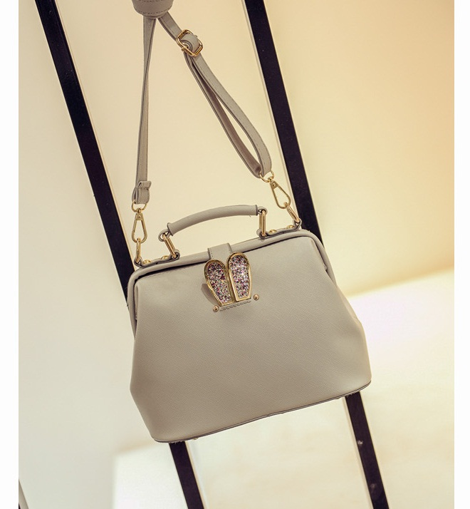 B2055 IDR.179.000 TAS FASHION MATERIAL PU SIZE L24XH17XW12CM WEIGHT 800GR COLOR GRAY