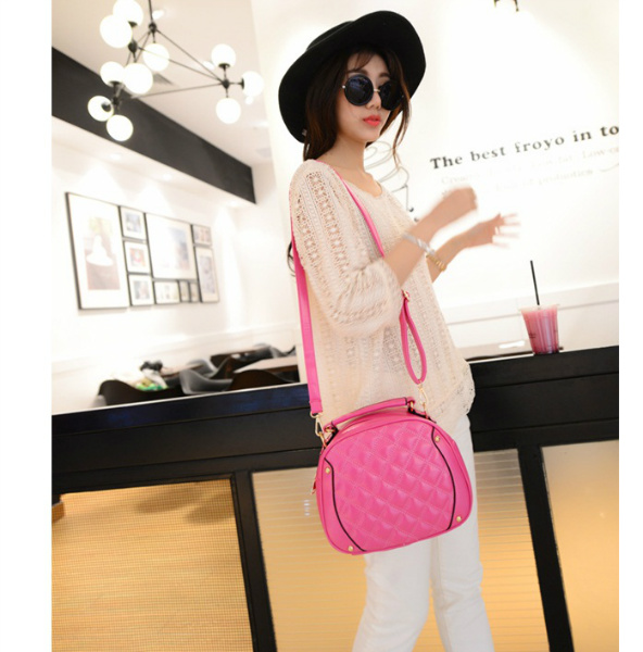 B2073 IDR.160.000 MATERIAL PU SIZE L24XH20XW9CM WEIGHT 550GR COLOR ROSE