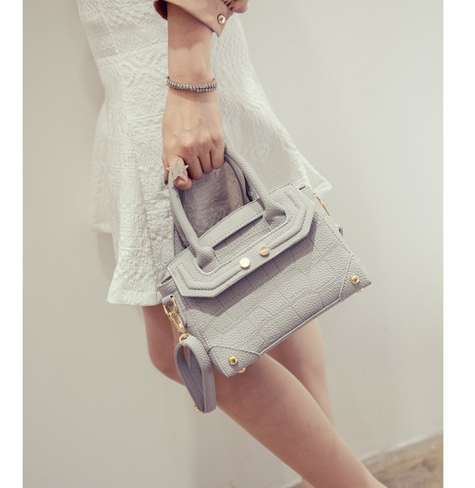 B2093-IDR.180.000-MATERIAL-PU-SIZE-L21XH16XW11CM-WEIGHT-700GR-COLOR-GRAY