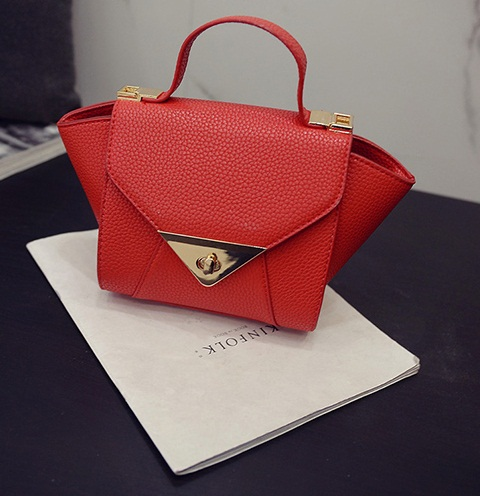 B2099 IDR.155.000 MATERIAL PU SIZE L17-27XH16XW12CM WEIGHT 600GR COLOR RED